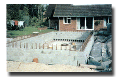 The steelwork is laid to the required shape in the walls